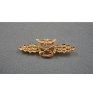 WW2 German Luftwaffe Close Combat Clasp - in Gold