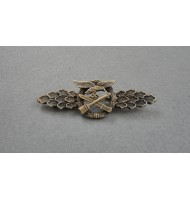 WW2 German Luftwaffe Close Combat Clasp - in Bronze